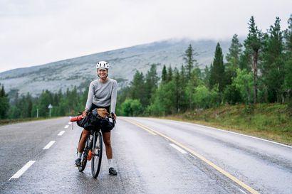 Henna Palosaari pyöräili yksin Suomen ympäri – ikimuistoinen matka kesti 41 päivää ja taakse jäi yhteensä 4877 kilometriä