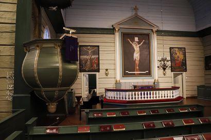 Pudasjärven seurakunta hakee avustusta kirkon  ulkomaalaukseen, ja äänentoistolaitteiden uusimiseen