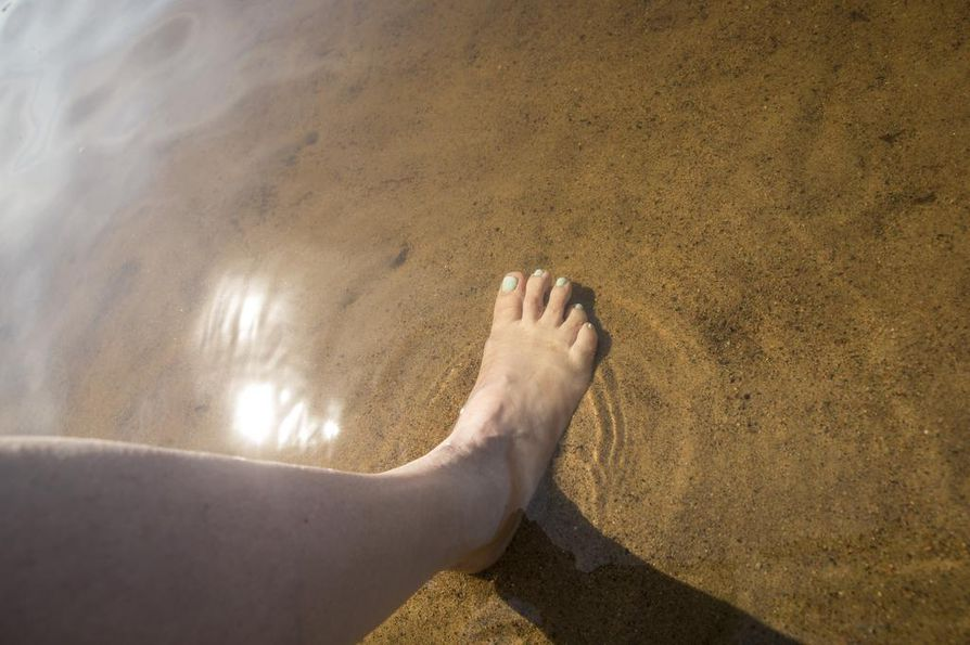 Hellekesät ovat osoittaneet, että ruuhkaisilla uimarannoilla infektiot leviävät helposti.