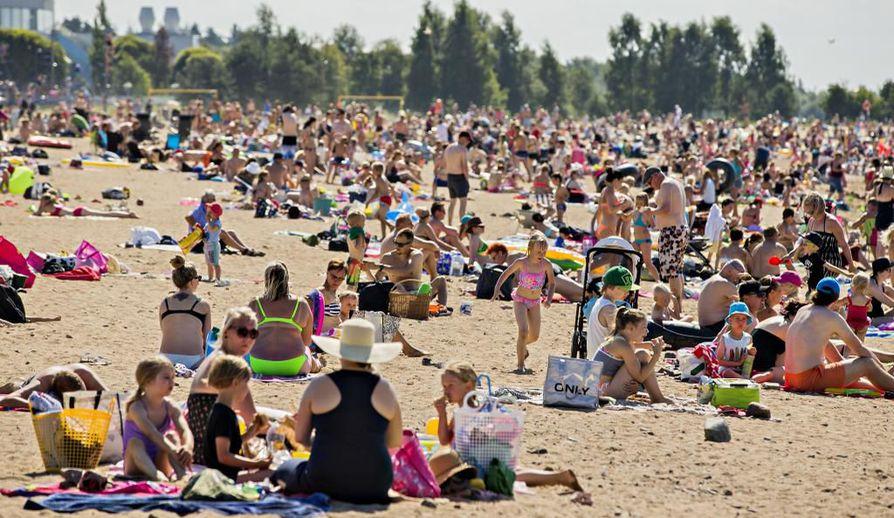 Uimarannat täyttynevät alkavalla viikolla, kun hellettä riittää Oulun seudulla ja koko maassa.