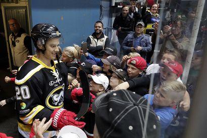 NHL jatkaa kauttaan suoraan 24 joukkueen pudotuspeleillä – ajankohdasta ei vielä tietoa, ottelut keskitetään kahteen kaupunkiin