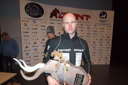 Giantin kärkiparilla vain sekunnin ero - kiteeläinen Joni Juvonen otti ykköstilan ennen Lapin Moottorikelkkailijoiden Tero Lokkaa