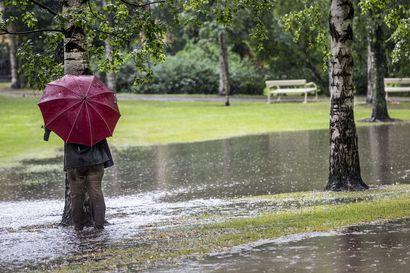 Voimakas saderintama peittää Pohjois-Pohjanmaan ja Kainuun keskiviikon ja torstain ajaksi – luvassa 5–6 senttiä vettä vuorokaudessa