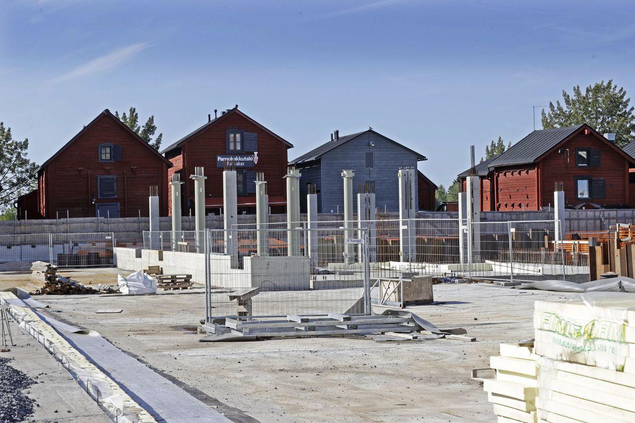 Oulun kaupungin piti saada selvitys torihotellin kohtalosta tänään, toistaiseksi sitä ei ole toimitettu – hotellia on odotettu jo 13 vuotta