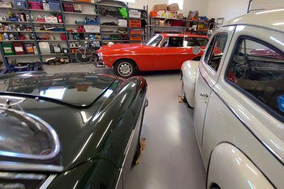 Martti Hakola entisöi vanhoja Volvoja