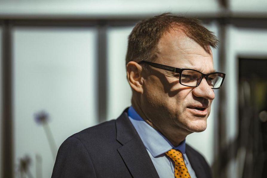 Pääministeri Juha Sipilän (kesk.) mukaan hallituksen finanssipolitiikan pitää olla kireää parantuneessa taloustilanteessa.