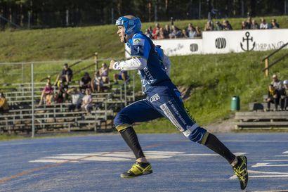 Kesä on etenijöiden juoksuaikaa – Kempeleen Kirin Jani Lassila kertoo, miten jalat liikkuvat nopeasti otteluruuhkassa