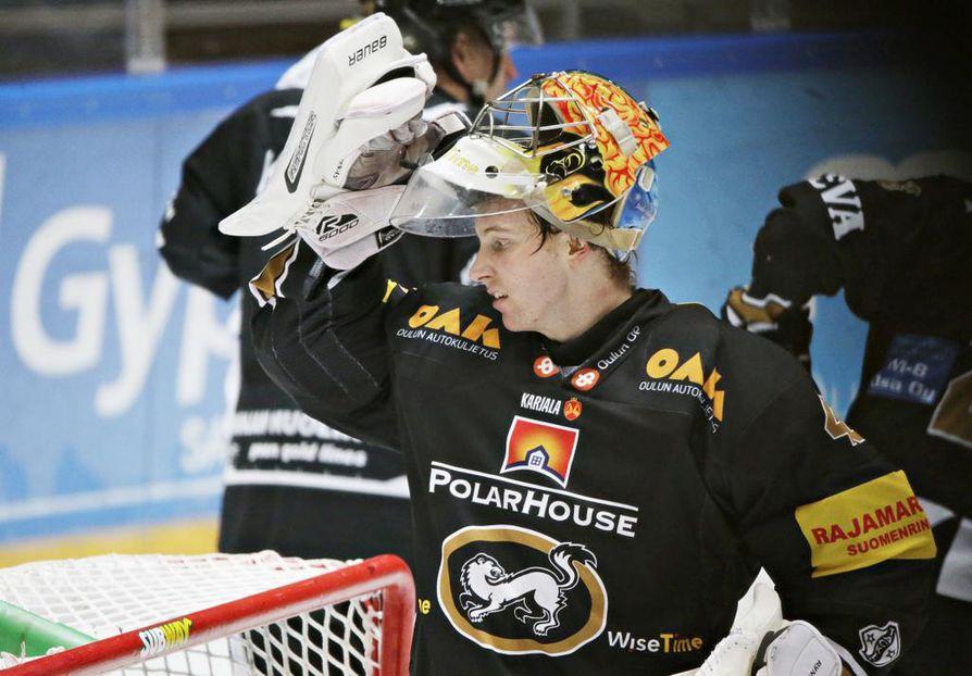 Maalivahti Jussi Rynnäs palaa Kärppiin kahden vuoden sopimuksella.