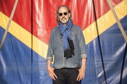 Elokuvan moniottelija  Kent Jones sai ensimmäisen kutsun Sodankylän elokuvajuhlille jo edesmenneeltä taiteelliselta johtajalta Peter von Baghilta