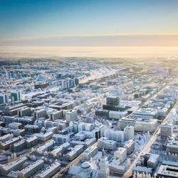 Oulun kaupunginsairaalan tartuntarypäs nostaa Pohjois-Pohjanmaan ilmaantuvuuslukua – koulut jatkavat lähiopetuksessa, kokoontumisrajoitukset kuuteen henkilöön