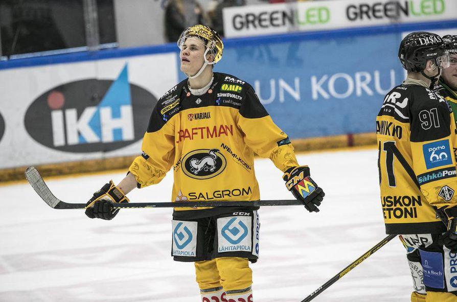 Kärppien Jesse Puljujärvi oli lauantaina pelin ytimessä, mutta voittomaalia hyökkääjä ei kovasta yrityksestä huolimatta saanut tililleen.