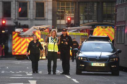 Poliisi vahvistaa: Lontoon terrori-iskusta epäilty oli tuomittu terrorismiin liittyvistä rikoksista