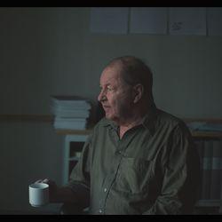 Arvio: Ihmisenä olemisesta on antoisa dokumentti 77-vuotiaan ruotsalaisen elokuvaohjaajan Roy Anderssonin viimeisestä ponnistuksesta