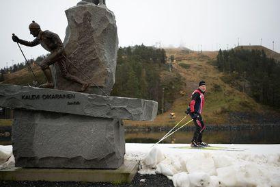 """Petäjäkankaan ladun tekoon maanantaina uhkien edessä: """"Kovat sateet voivat vesittää koko hankkeen"""" – myös se mietityttää, paljonko kausi pitenee 50000 eurolla"""