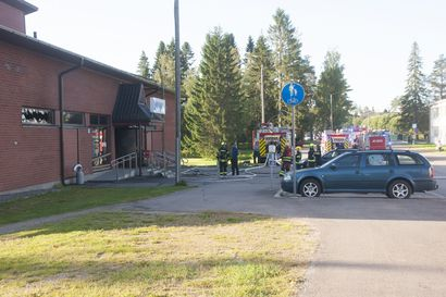 Pyhäjärven uimahallin pesutilat tuhoutuivat tulipalossa perjantaiaamuna