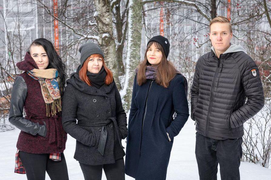 Titta på Tuira goes Christmas -tapahtumaa ovat olleet järjestämässä Maria Similä (vas.), Mira Pirttisalo, Saila Hernesniemi ja Jere Piipponen.