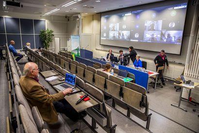 Kaupunginhallituksen kriisikokous alkaa Rovaniemellä kello 15, varoituksesta päätetään tänään