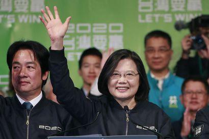 Taiwanin istuva presidentti sai yli puolet äänistä – presidentinvaaleja leimasivat saaren suhteet Kiinaan