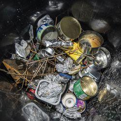 Eristäytyminen näkyy jätekuormassa