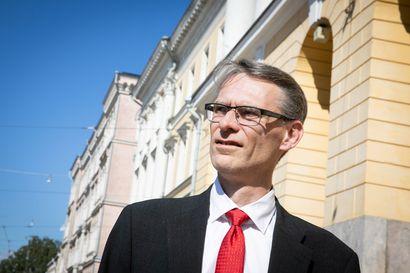 Oikeuskansleri: Ministeriöiden välisessä yhteistyössä ja STM:n vastuunjaossa oli puutteita – koronaepidemiaan ei osattu varautua
