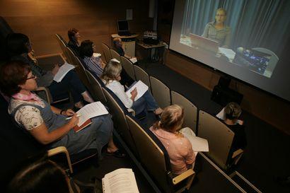 Kysyimme, pitääkö etäopetusta tekstittää korkeakouluissa –digipalvelulaki korostaa esteettömyyttä