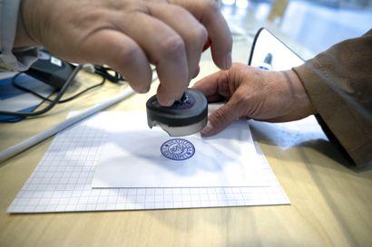 Arvonta ratkaisi valtuustopaikkojen kohtaloita Rovaniemellä, Muoniossa, Ranualla ja Utsjoella – Kuntavaalien vaalitulos vahvistettu