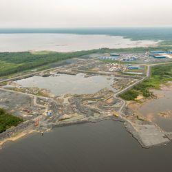 Työt etenevät Pyhäjoen laitosalueella – laitostoimittaja arvioi rakentamisen huipun olevan vuonna 2026