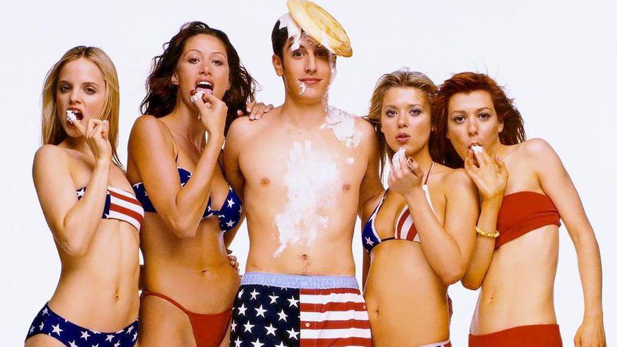 American Pie -komedia, jossa neljän lukiolaispojan porukka tekee sopimuksen hankkiutua eroon poikuudestaan viimeistään päättäjäisiltana. Tavoite osoittautuu yllättävän hankalaksi.