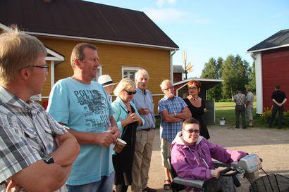 Vihantilaisjuurinen Martti Strömmer on perehtynyt asevelitalojen historiaan, esitelmä kuullaan illalla yleisöluentona Ukonkantissa