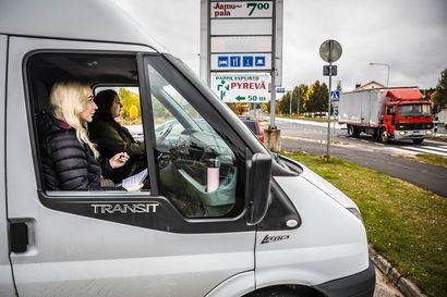 Pellossa joka viides rekka on ulkomailta – Kuljetusyritykset: Miksi Suomi ei vieläkään peri tiemaksuja?