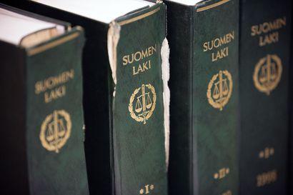 Tampereen Vasaratien murhajutun syytetyt syyntakeisia, molemmille elinkautiset – uhrin poika tilasi murhan netistä löytämältään mieheltä