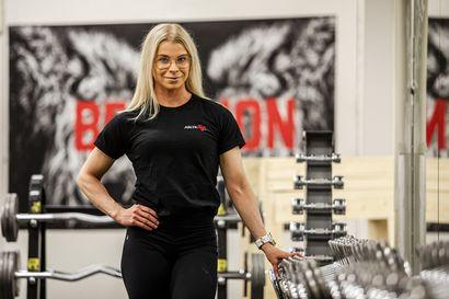 Jonna Mäkinen voitti body fitnessin PM-kultaa – Essi Törrönen sai PM- ja SM-hopeaa Lahdessa