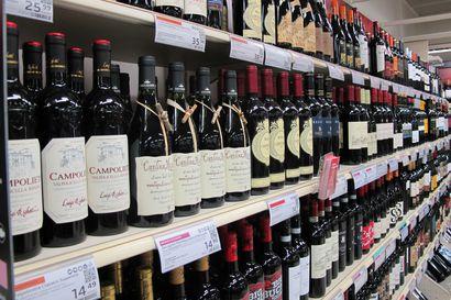 Enemmistö suomalaisista ei ottaisi väkeviä alkoholijuomia myyntiin päivittäistavarakauppoihin – joka toinen haluaisi viinit ruokakaupan hyllyille