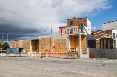 """""""Koronan muistomerkki"""" graffitiseinäksi Rovaniemellä? – Kesken jäänyttä rakennustyömaata voisi elävöittää katutaiteella"""