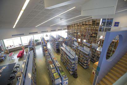 Kirjastokortilla sisään kirjastoon sunnuntaisin ja vaikka iltamyöhään saakka: Raahessa aiotaan ottaa käyttöön kirjastojen laajennetut aukioloajat