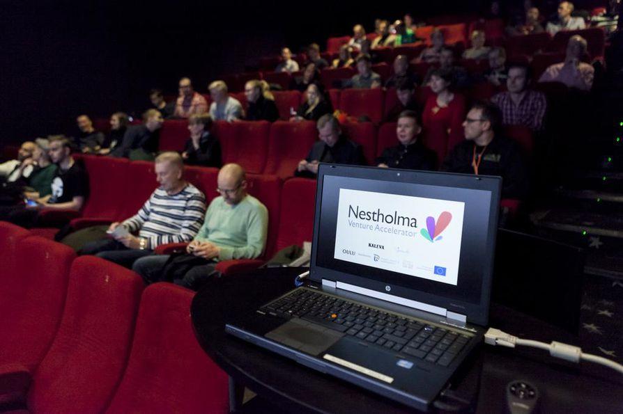 Nestholman demopäivässä startupit pääsivät esittelemään bisnesideansa sijoittajille ja potentiaalisille asiakkaille.