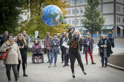 Tarvitaan näkyviä, isoja ja pieniä, ilmastotekoja. Suomalaiset luulevat, että heidän elämäntapansa sinällään olisi jo kestävä.