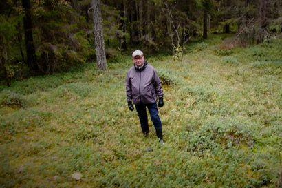 Antti Ylitalo metsäpalstallaan Limingassa