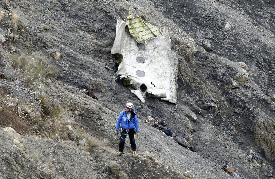 Andreas Lubitzin epäillään lentäneen matkustajakoneen tahallaan päin vuorta Ranskan Alpeilla. Turmassa kuoli 150 ihmistä.