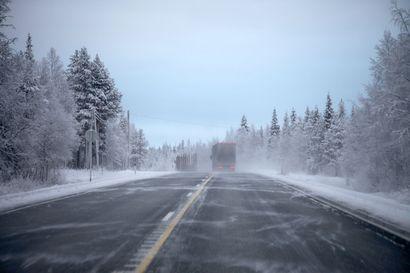 Autoilijoiden tyytyväisyys teiden talvihoitoon laski Pohjois-Pohjanmaalla