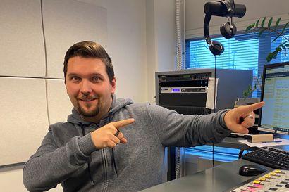 Tullaan tutuiksi: Radioalan ammattilainen huudatti lapsena lempimankastaan Jonnaa ja Popedaa