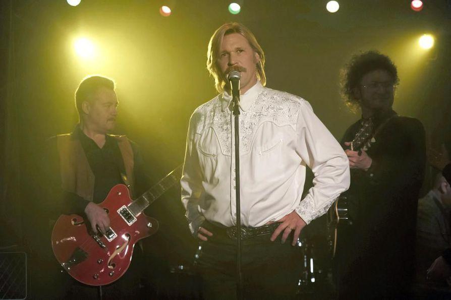Lordi-elokuva Dark Floorsin maailmanensi-ilta pidettiin Oulussa helmikuussa 2008. Markus Selin osallistui tiedotustilaisuuteen.