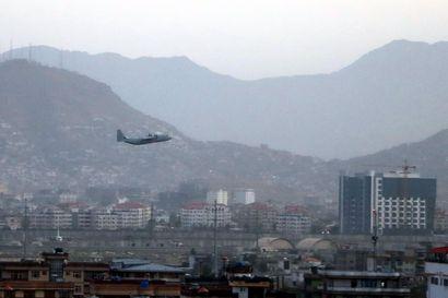 Kabulissa lähellä lentokenttää tapahtui torstaina kaksi räjähdystä – ainakin 12 yhdysvaltalaista sotilasta ja yli 60 afganistanilaista kuollut