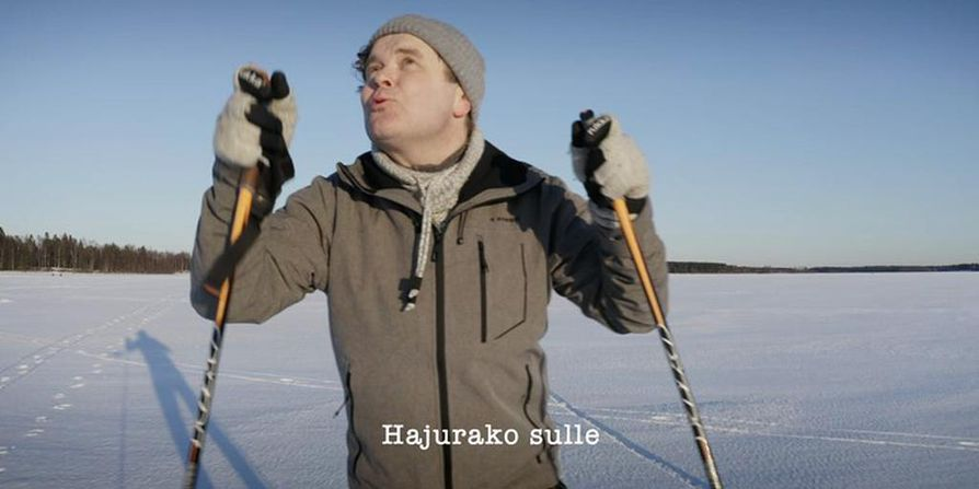 Hajurako-musiikkivideo on kuvattu Perämeren jäällä Martinniemessä viime lauantaina. Hajurako-biisin säveltäjä, sanoittaja ja solisti on hiihtäjä Jukka Takalo.