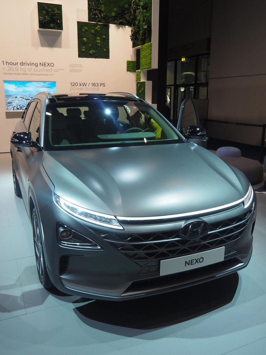 Hyundai Nexo on putipuhdas vetyauto. Sähköenergian ainoa sivutuote on puhdas vesi.