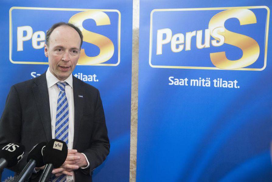 Jussi Halla-ahon johtamat perussuomalaiset nostivat kannatustaan eniten tuoreessa Ylen puoluekannatusmittauksessa.