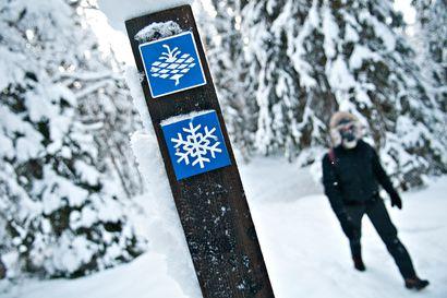 Valtava lumimäärä kätkee alleen sulia ojia ja piilottaa reittimerkit – Metsähallitus muistuttaa pakkaamaan retkireppuun kunnolliset paikannusvälineet