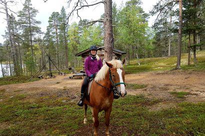"""Hevosyrittäjä Maria ja tapahtumatekniikan tuottaja Eetu muuttivat tahoillaan Lappiin, ja tekivät omista harrastuksistaan työn – """"Ei kaduta yhtään, että lähdin tänne toteuttamaan unelmaani"""""""