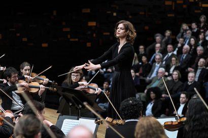 Pekka Eronen suosittelee tänään ranskalaista ensiesitystä – Salaisuudet soivat Pariisissa kohtalokkaasti musiikkia unohtamatta