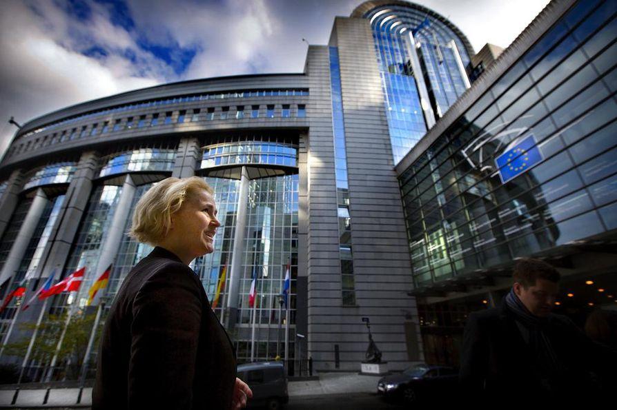 Miapetra Kumpula-Natri (sd.) ja muut Suomen EU-myönteiset voimat pitivät asemansa Brysselissä.